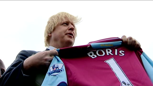west ham united granted 99 year lease on the olympic stadium dennis hone interview sot mayor of london boris johnson photocall holding up west ham... - lease agreement stock videos & royalty-free footage