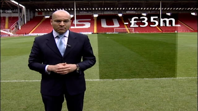 sheffield united to take legal action graphicised sequence reporter to camera with text overlaid - ウェストハム・ユナイテッドfc点の映像素材/bロール