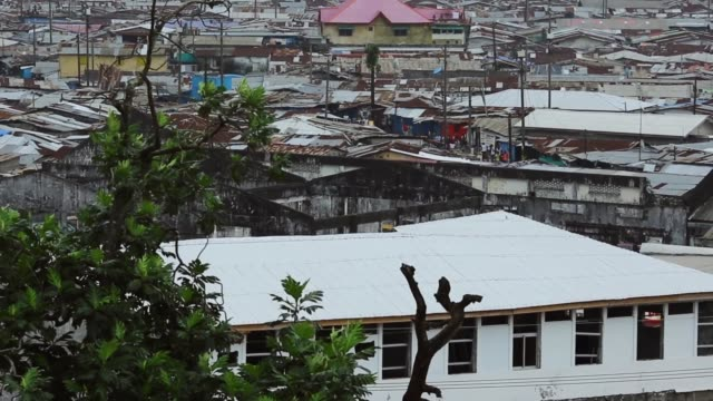 vídeos y material grabado en eventos de stock de ha ls west point football field that is now quarantined to contain the spread of ebola in the community the government of liberia is quarantining... - liberia