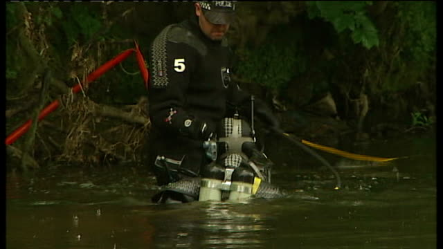 West Yorkshire Shipley EXT Police divers searching River Aire