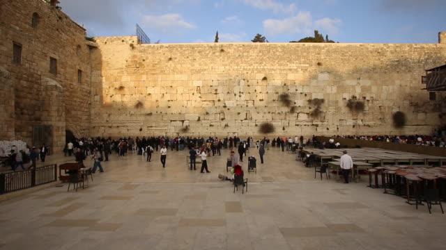 western wall  jerusalem - wailing wall stock videos & royalty-free footage