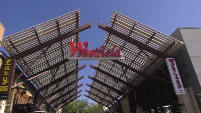 westfield valencia mall closed due to restrictive coronavirus measures on march 26, 2020 in santa clarita, california. - santa clarita stock videos & royalty-free footage