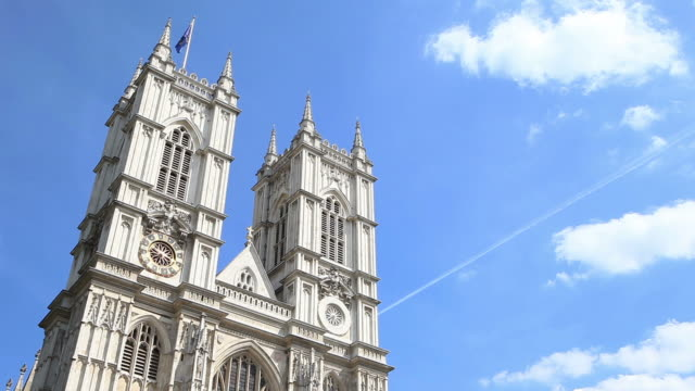 westminster abbey, london, uk - time lapse - westminster abbey stock-videos und b-roll-filmmaterial