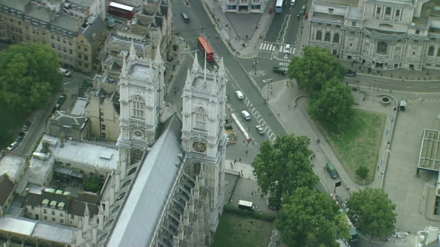 aerial cu westminster abbey - westminster abbey stock-videos und b-roll-filmmaterial