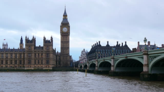 westminster bridge with houses of parliament and big ben, london, south england, great britain - parliament building stock videos & royalty-free footage