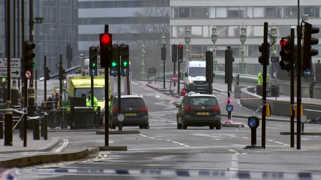 Khalid Masood named as attacker / police investigation ENGLAND London EXT Various of roads cordoned off as closed following Westminster terror attack