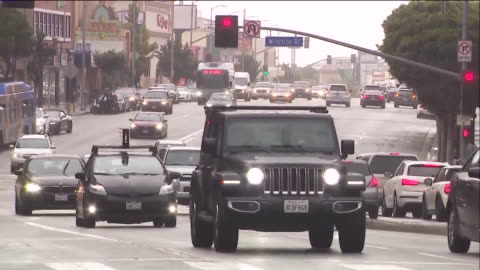 westwood, ca, u.s. - traffic on streets of westwood in rainy day, on wedensday, march 11, 2020. - westwood neighborhood los angeles stock videos & royalty-free footage