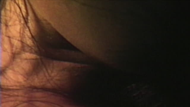 cu shaky wet female body, new york city, new york, usa - sex sexuelle themen stock-videos und b-roll-filmmaterial