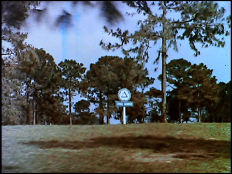 stockvideo's en b-roll-footage met / we've changed into something with 'zoom' and cities service is citgo now are the taglines for this 1965 tv commercial announcing that the cities... - chrysler