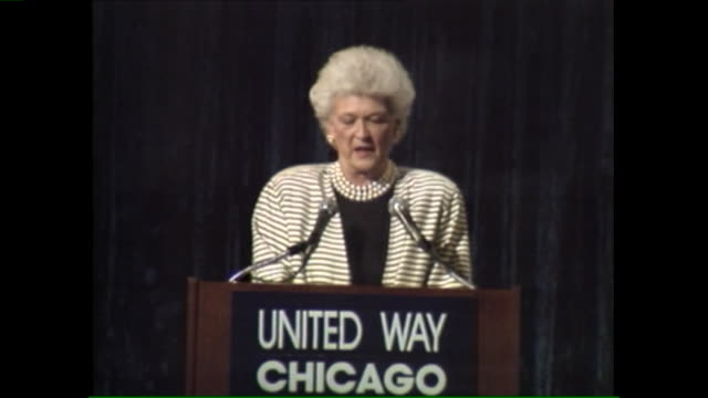 vídeos y material grabado en eventos de stock de wgnbarbara bush speaks at united way chicago event on april 1 1989 - ortografia