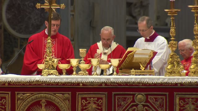 pope francis celebrated mass for the feast of saints peter and paul in st. peter's basilica. during the mass, the pope blessed the pallium, which is... - ミサ点の映像素材/bロール