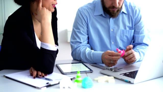 vídeos y material grabado en eventos de stock de ¿qué vamos a hacer en el futuro? - two dimensional shape