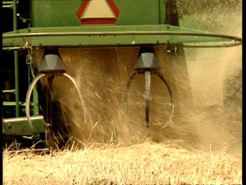 mcu wheat harvester discarding stalks - wastepaper bin stock videos & royalty-free footage