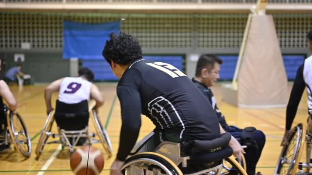 wheel chair basket ball - wheelchair basketball stock videos & royalty-free footage