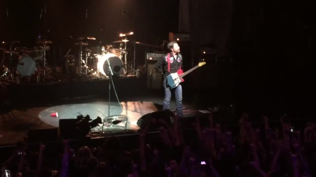 when the eagles of death metal made their entrance on stage to the sound of it's five o'clock paris wakes up emotion saturates the olympia hall on... - turno sportivo video stock e b–roll