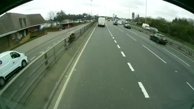 when this van decides to recklessly get over at the last second, it comes inches from hitting this truck. check out the tense dash cam footage! - annat tema bildbanksvideor och videomaterial från bakom kulisserna
