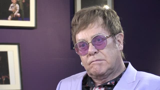vídeos de stock e filmes b-roll de while new initiatives to halt the spread of hiv are announced singer elton john remembers loved ones among the 35 million people lost to the epidemic... - hiv aids conference
