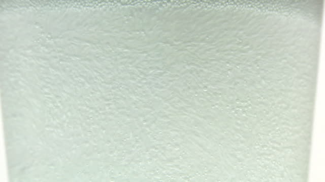 ホワイトの泡。 - ソーダ類点の映像素材/bロール