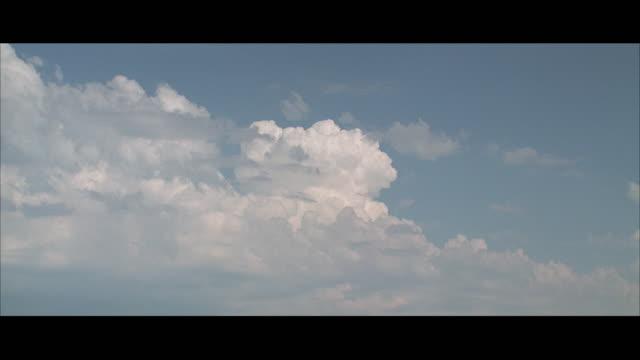 WS ZO White clouds