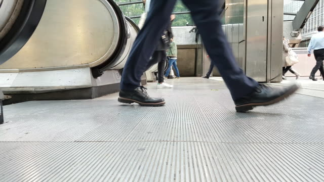 white collar workers commuting to the offices - canary wharf stock videos & royalty-free footage