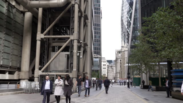 white collar workers walking in london lime street - pedestrian stock videos & royalty-free footage