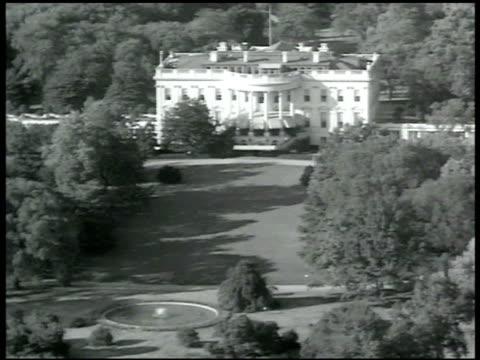 White House EXT entrance to White House