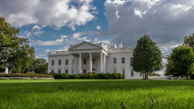 white house north facade lawn washington, dc in 4k/uhd - la casa bianca washington dc video stock e b–roll