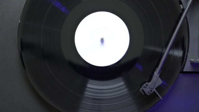 white label vinyl record spinning on turntable - deck stock videos & royalty-free footage