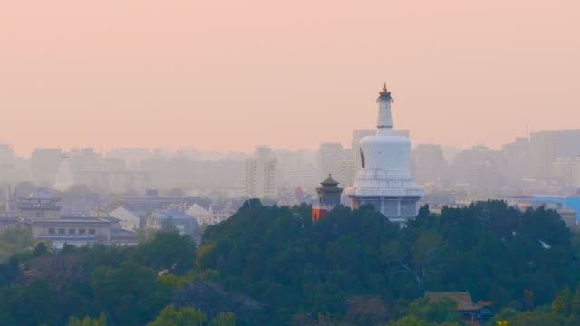 ws white pagoda on qionghua island at sunset, beihai park, beijing, china - classical chinese garden stock videos & royalty-free footage