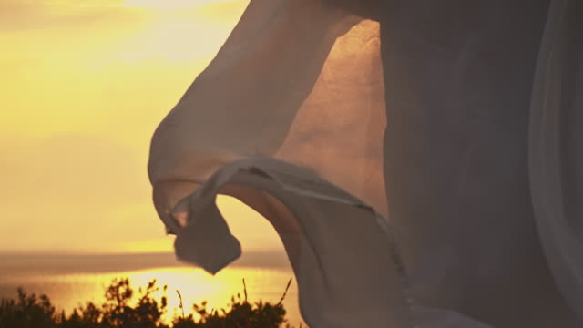 SLO MO White summerdress fluttering the wind