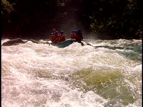 slo mo, ms, cu, white water rafters paddling through rapids, otter slide, north creek, adirondack state park, new york state, usa  - adirondacks rafting stock videos & royalty-free footage