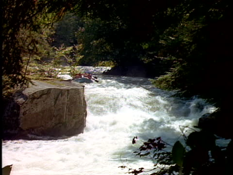cs, white water rafters paddling through rapids, otter slide, north creek, adirondack state park, new york state, usa  - rafting stock videos & royalty-free footage