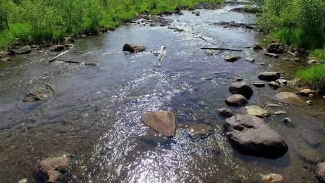 vídeos y material grabado en eventos de stock de whitefish island y bridge hacia canadá en sault-marie, ontario - ontario canadá