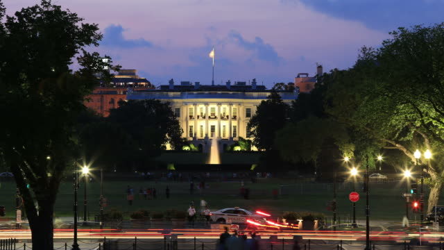 whitehouse notte time lapse - la casa bianca washington dc video stock e b–roll