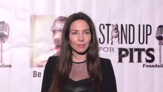whitney cummings at stand up for pits comedy benefit at the improv comedy club in west hollywood in celebrity sightings in los angeles, - sketch comedy stock videos & royalty-free footage