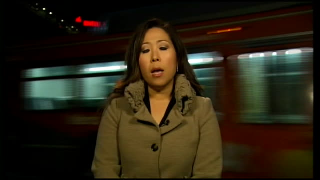 whitney houston death: post mortem completed; night reporter to camera - whitney houston stock-videos und b-roll-filmmaterial