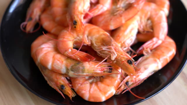 Whole Cooked Tiger Prawn with salt