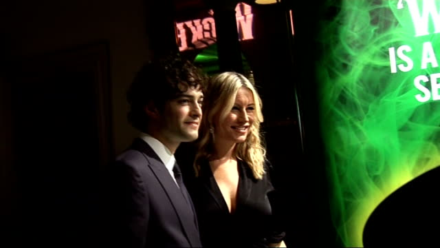 'wicked' press night ** beware various of lee mead and denise van outen posing for photocall / lee mead interview sot feel very proud it's been a... - glee tv show stock videos and b-roll footage