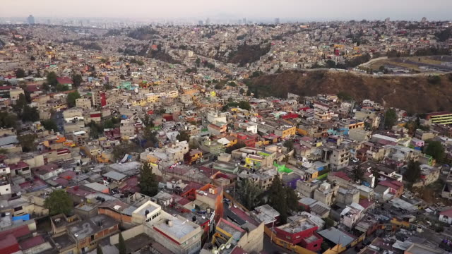 stockvideo's en b-roll-footage met wide aerial, scenic mexico city skyline - mexico stad