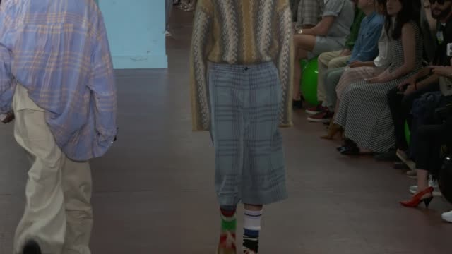 wide and detail runway shots highlights of looks with finale and designer - marni stock videos & royalty-free footage