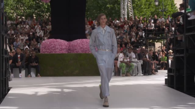 Wide and detail runway shots highlights of looks with finale and designer