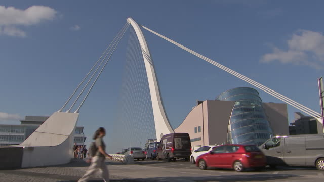 wide angle shot of the samuel beckett bridge in dublin, ireland on august 23, 2018. - wide angle stock videos & royalty-free footage