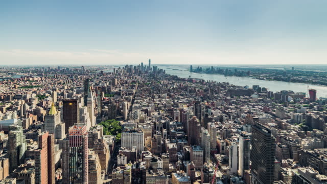 stockvideo's en b-roll-footage met t/l ws ha groothoek zicht op downtown manhattan, nyc - wall street lower manhattan