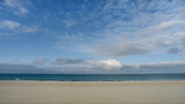 wide open vista-the beach at keremma , finistere - 砂点の映像素材/bロール