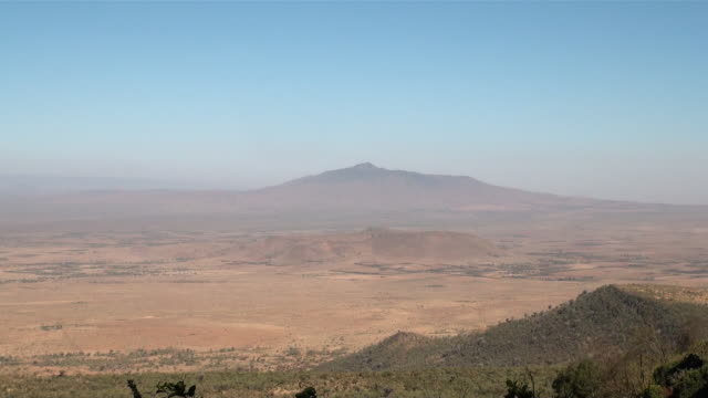 WS Wide overview of rift valley from escarpment at old naivasha road AUDIO / Naivasha, RiftValley, Kenya