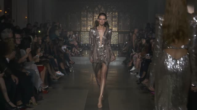 vídeos de stock, filmes e b-roll de wide runway shots highlights of looks with finale and designer - alessandra ambrosio