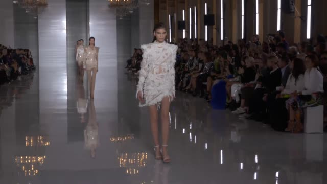 wide runway shots highlights of looks with finale and designer - runway stock videos & royalty-free footage