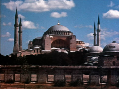 vidéos et rushes de 1938 wide shot domes and minarets of hagia sofia  / istanbul, turkey - istanbul
