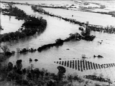vídeos de stock, filmes e b-roll de wide shot flooded farmland / sacramento, california / newsreel - 1926