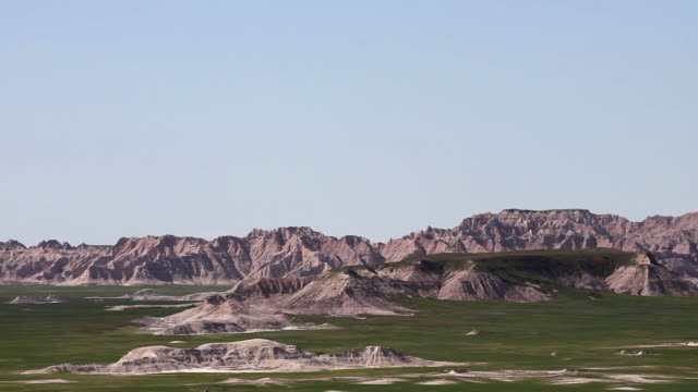Wide Shot of crested buttes and prairies in Badlands National Park